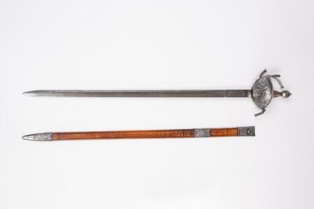 ES719 Espada de Carlos III grabada y cincelada