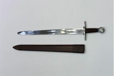 Espada medieval forjada a mano en acero carbono